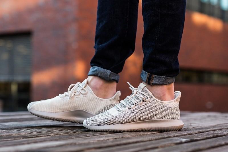 5 đôi giày Adidas Tubular dành riêng cho các nàng mê thể thao