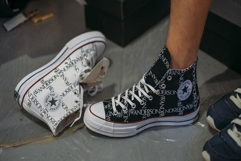 Lý do giày Converse luôn là một lựa chọn cố định của cô nàng sành điệu