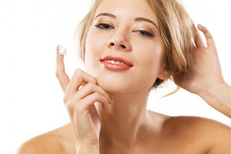 Những loại kem nền có thành phần chống nắng bảo vệ da hoàn hảo