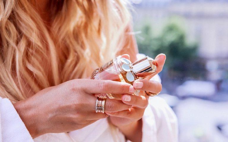 """10 chai nước hoa với hương thơm nhẹ nhàng giúp nàng """"lan tỏa"""" (Phần 2)"""