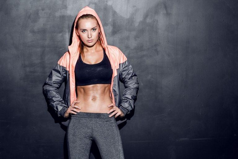 6 món đồ không thể thiếu của nàng khi đến phòng gym