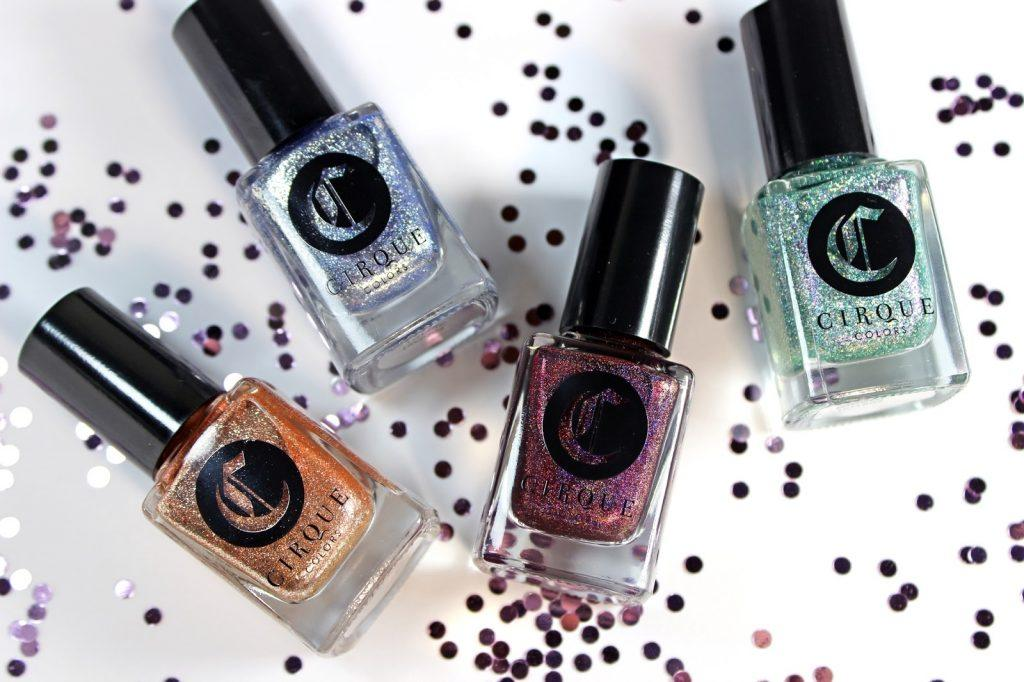 """""""Nổi bần bật"""" với các dòng sơn móng tay màu glitter siêu xinh"""
