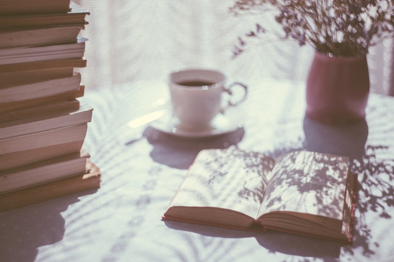 """Top 7 tiểu thuyết khó đọc nhưng dễ gây nghiện cho """"mọt sách"""""""