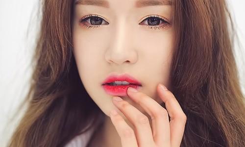 Bí quyết đơn giản giúp đôi môi căng mọng, quyến rũ hơn