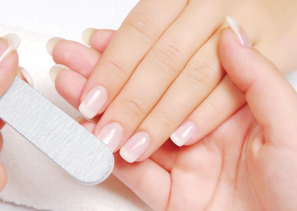 Chăm sóc móng tay bắt đầu từ những thói quen đơn giản