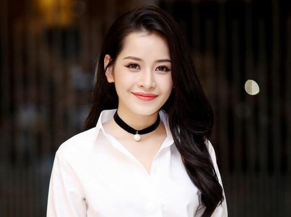 """Những """"yêu nữ hàng hiệu"""" mới xuất hiện của làng giải trí Việt"""