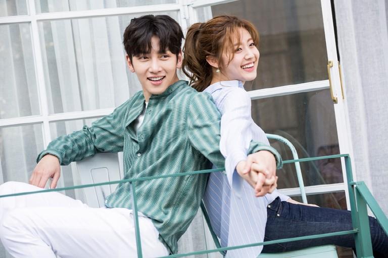 """Tháng 5 này, có 4 phim Hàn chưa lên sóng đã """"sốt xình xịch"""""""