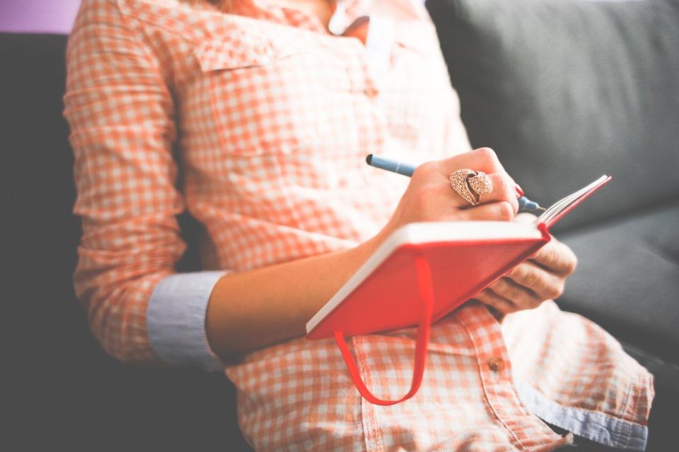 Viết nhật ký – điều mà cô gái nào cũng nên làm trong đời