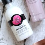 body-lotion-tot-the-body-shop-british-rose-instant-glow-body-essence-cover