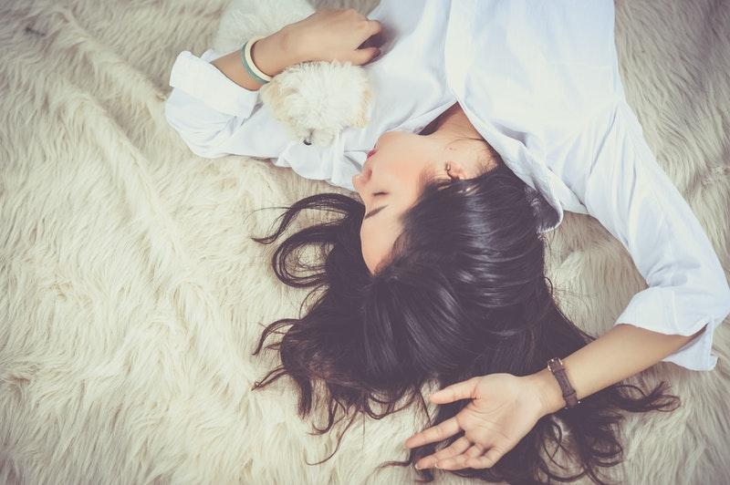 Con gái phải ngủ đủ 8 tiếng mỗi ngày vì những lý do sau