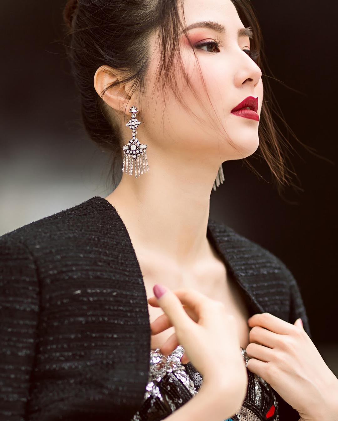 diem-my-9x-ngam-nghia-street-style-cua-sao-viet-tai-seoul-fashion-week