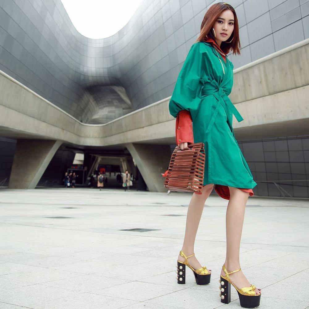 ninh-duong-lan-ngoc-hoa-tiet-ngam-nghia-street-style-cua-sao-viet-tai-seoul-fashion-week