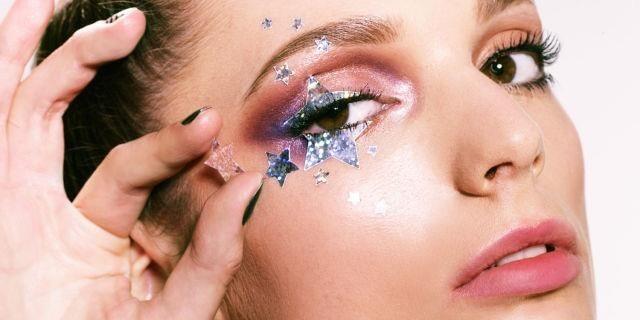 Cập nhật xu hướng làm đẹp mới với lối trang điểm Glitter lấp lánh