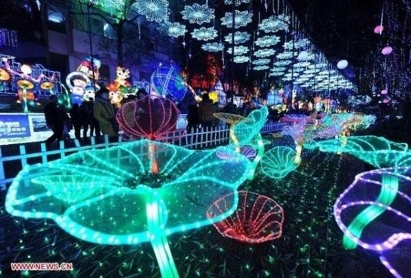 festival-anh-sang-lon-nhat-viet-nam-truoc-gio-mo-cua-o-sai-gon-fe8d6bc0636483366655478475