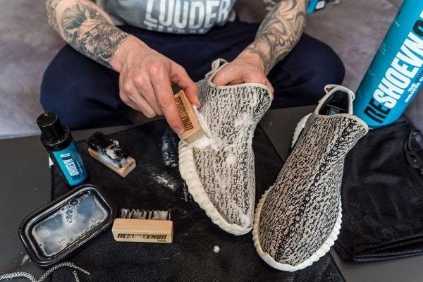 meo-giu-giay-the-thao-luon-moi-ma-fan-sneaker-can-nam-long-2