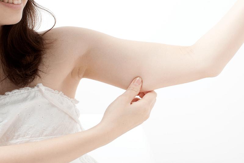 """6 bài tập thể dục giúp """"diệt gọn"""" mỡ cánh tay để xinh đẹp đón Tết"""
