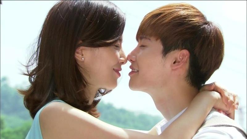 Các couple phim Hàn dù lệch nhiều tuổi mà vẫn cực xứng đôi (Phần 2)