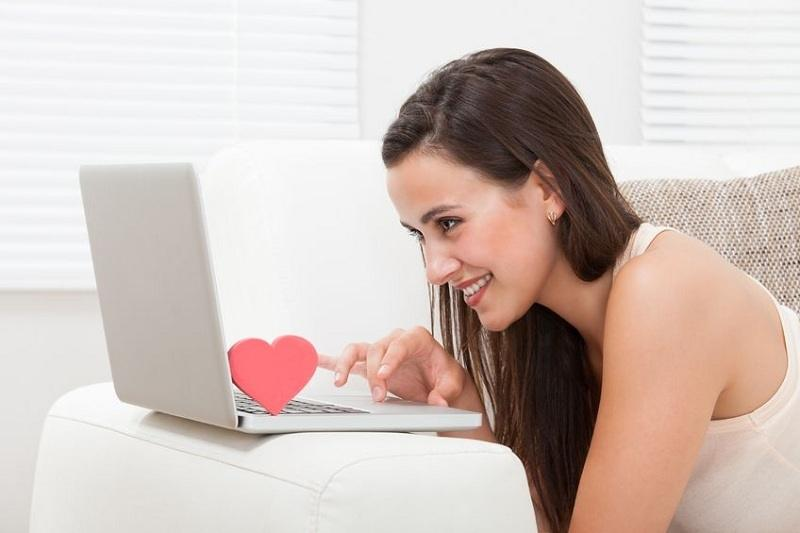"""Tuyệt chiêu """"thả thính"""" tài tình bằng profie khi hẹn hò online"""