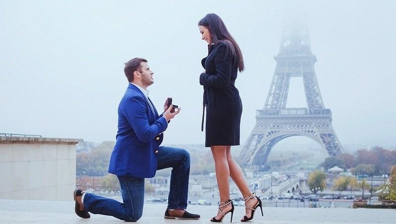 Cầu hôn kiểu đàn ông lịch thiệp: bất ngờ nhưng phải tinh tế