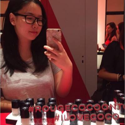 《CHANEL ROUGE COCO ON TOUR 音樂巡迴香港站》  闖入以搖滾樂為靈感的後台,CHANEL 彩妝及香水的全新領域。緊貼色彩節奏,迷人唇妝激發自拍狂熱。親身探索搖滾的美學風格!  領銜演出: ROUGE COCO STYLO 唇膏筆💄 LE VERNIS 甲油💅🏻 #CHANEL #ChanelRougeCocoonTour #CausewayBay #Denise #Deniseyuyu #Beauty #NewItems #LipStick #Polish #RougeCocoStylo #LeVernis #CocoChanel #Rouge #Stylo #BeautyBlogger #Event #Fantastic #Fabulous #Crazy #Wild #HongKong #HKLittleBlogger #HKBlogger #HKGIrl #ILoveCoCo
