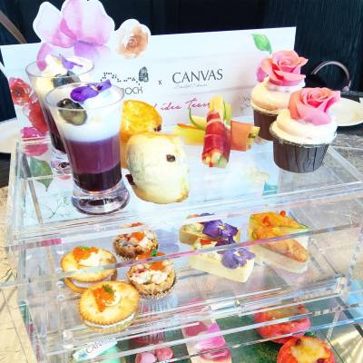 下雨天最好就係留係室內嘆返個靚靚下午茶😊 . Miss Floral Afternoon Tea🌺 Now till 9.30 . #misstiara #lovemyjob #canvashk #canvasbeauty #royalplaza #hkfood #hkdessert #hkfoodie #hkafternoontea #throwback