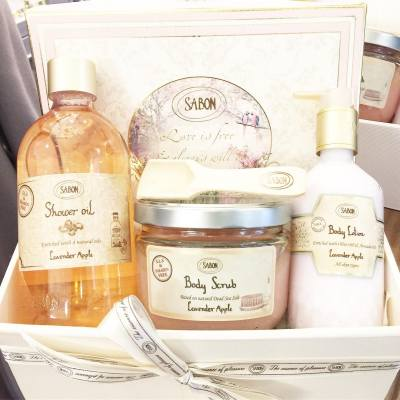 Love your body and support for a cause! 💞 . From now till Oct 31, SABON will donate 10% of the proceeds from the