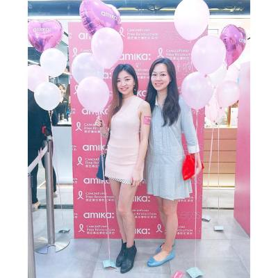 Supporting a good cause for Cancer Fund! 💕 Aiyaya why did I have mismatching color? 😞 . . . #MissTiaraHK #lovemyjob #amikaproudtobepink #amikahk#amikapinkrevolution #pinkrevolution #cancerfund #hairstyling #pink #launchevent #hkevent #mediaevent #charity