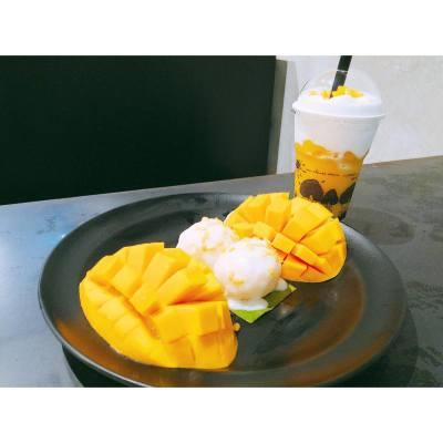Mango overflowed ☺️ . . . #weekendgetaway #byestress #又飛啦 #travel #happyweekend #needsomesleep #hkfoodie #bangkokfood #siam #mangotango #mangostickyrice #20160820