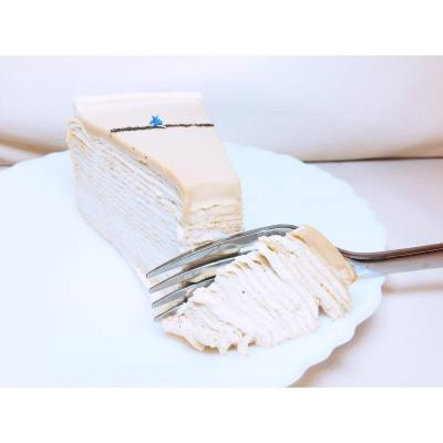 How come this #earlgrey crepe cake tastes so sweet 😐 . . . #hkfood #hkdessert #hkfoodie #ladym #ladymhk #crepecake #nodiet #fat #sick #recovery