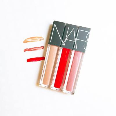 Which shade should I put on for today? 💋 Stripped, Mineshaft, or Bound? . . . #NARSHK #Glide4Vibe #velvetlipglide #一抹時尚 #NARssist #hkevent #hkbeauty #productlaunch #beautyreview #misspshopping #lips
