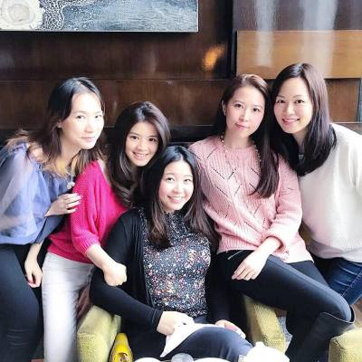 It's tea time again! ☕️🍰👯‍♂️ . Back to HK finally! @viviannyam . #throwback #putaheartoncarman #yamtheKOL #happyweekend #saturday #teatime #afternoontea #hea #chillax #fourseasons #allgirls #misspolspick
