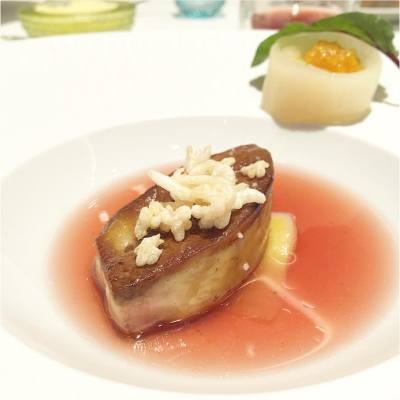 Perfectly cooked foie gras with tea infusion!  #vacation #lasvegas #happychinesenewyear #guysavoy #finedining #goodfood
