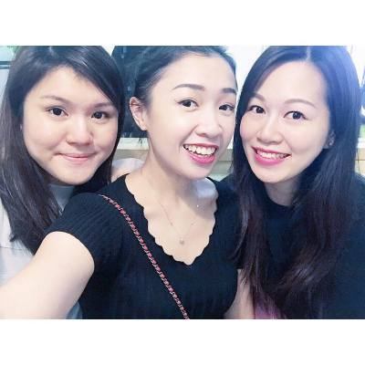 ❤️👱🏼‍♀️👱🏼‍♀️👱🏼‍♀️❤️ . . . #BFFs #happyweekend #happysaturday #koreanfood #goobne #goobnechicken #hkfoodie #hkfood #redlips #misspolspick #throwback
