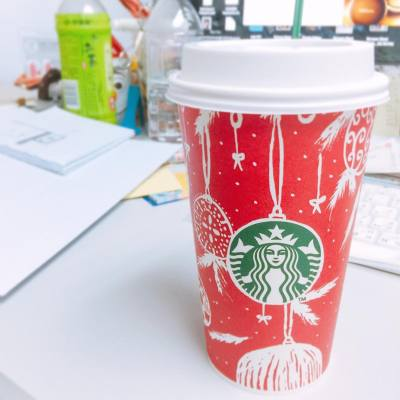 The red cup is finally here 😍 Favorite time of the year is on its way! 🎅🏻🎄 Toffee nut latte ❤️❤️❤️ . . #starbucks #starbuckshk #christmas #theredcup #favoritetimeoftheyear #coffeebreak #afternooncoffee #hkfoodie #hkfood #nodiet #fat #teatime #sleepy#misspolspick
