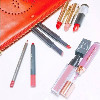 Spoiling my lips with these beauties 💋💄 . . . #makeup #giftidea #MissTiaraHK #lovemyjob #hkbeauty #lipstick #narshk #clarinsmakeup #makeupforverhk #memeboxhk #ponyeffecthk #byterryhk #byterryofficial #rougeeexpert #pickclickstick #anyahindmarch #anyahindmarchbag #newlaunch #misspolspick
