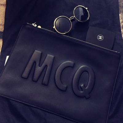 都係黑色最好襯😎 #black #clutch #MCQ