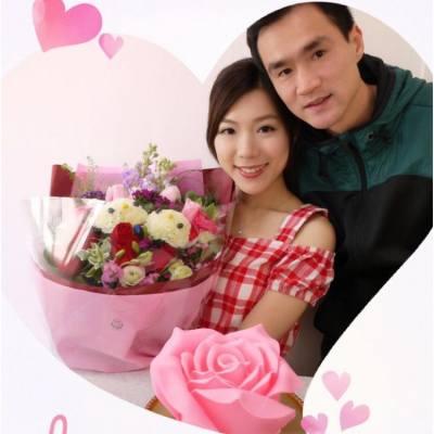 💗💗🌹💗💗  🌹Pink rose cake & Kitty flower🌹 真的很美💕 今年情人節 有花 有蛋糕 很完美 但最重要的 是有您❤️  #情人節 #甜到漏