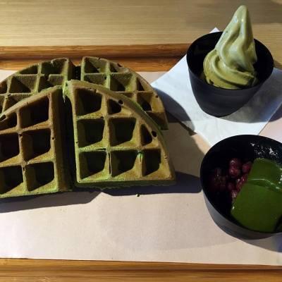 ☘綠茶鬆餅☘ 好正好正👍🏻 四姊妹一人一件剛剛好👭👭 今餐而家先開始👏🏻👏🏻👏🏻 #御前上茶 #尖沙咀 #綠茶甜品 #綠茶控