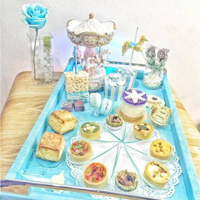 好夢幻的Tiffany Blue下午茶 👑💍 連支玫瑰花都係藍色架💋  Source: @hkgfood2   @dk_cuppa_tea #misstiara #misstiaralifestyle #dkcuppatea #afternoontea #hkfood #hkdessert #tiffanyblue