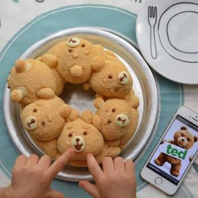 【TED手撕麵包】TED樣子可愛到暈呀!小編發現日本有很多fans整了TED樣子的手撕麵包。樣子可愛到令人不忍心吃下去呢!唔知有無sis識整呢?有就記得係Miss Tiara App同大家分享啦~  Source :#テッドパン@instagram #misstiara #handmade #ted #bread #diy #misstiaralifestyle