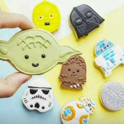 【甜心小惡魔】又係下午甜點時間!估唔到Q版既Star Wars角色係咁可愛架!仲有羊駝BB(無限心心眼)! Source : vickiee_yo @ ig #misstiara #statwars #cute #cookies