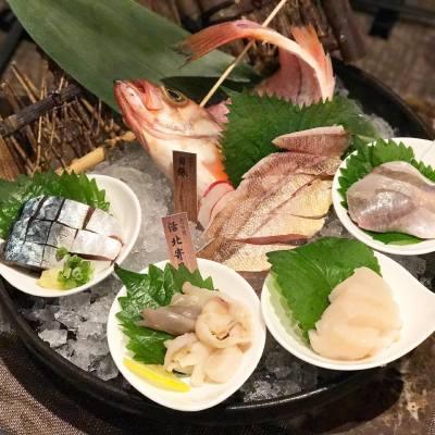位於日本本州最北端的青森有著極佳海洋地理位置,出產多重類魚鮮。千両推出「青森夏季限定餐目」,將青森最新鮮的魚鮮、蔬果及清酒帶到香港! . . . #MissTiaraHK #followmisstiara #shoppinginspiration #shopaholic #newlaunch #hkbeauty #hongkong #千両 #senryo #hkfood #hkfoodie