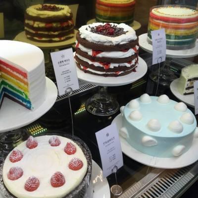 首爾Doré Doré的蛋糕真係見到都流哂口水!😋 #doredore #首爾 #彩虹蛋糕 #misstiara #misstiarahk #misstiaralifestyle