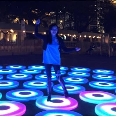 我們在 #幻光動感池 #藝術 #裝置 上,綵排 #香港藝術節 開幕表演。 Our #dance rehearsal on #art #installation for #HK Art Festival #HKaf opening ceremony tonite