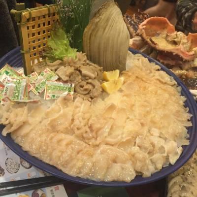 象拔蚌sashimi tonight 😋 #yummy #後面重點大蟹蓋 🦀