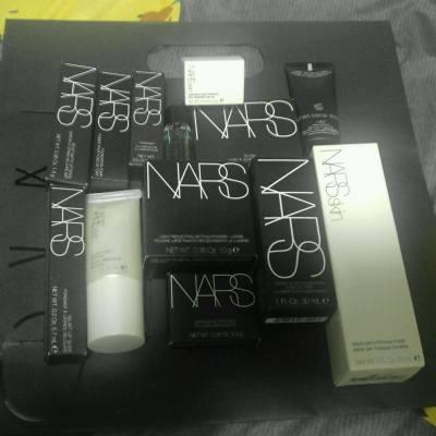 #NARS #MissTiara 從不低估自己的購買力 > 其實男化妝師向我單眼失咗暈