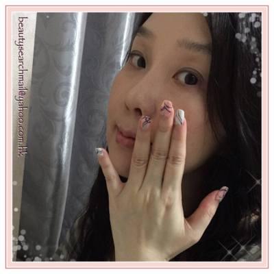 BeautySearch 始終鍾愛粉色系花甲 好多謝 @lunelapin_anna 老闆娘 今天幫我打造了這靚靚花甲 好鍾意那種雲石紋的底色特效 搭配上單線的花紋 很有日系的感覺 大愛 *⋆.( ˘̴͈́ ॢ꒵ॢ ˘̴͈̀ )⋆. -- | |Lune Lapin |513, Radio City, 505 Hennessy Rd., CWB | #hkblogger #BeautySearch #beautybloger #blogger #blog #lifestyleblogger #nail #beauty #nailart #lunelapin #Polish #naildesign #ELLEBeauty #ELLEAnniversary #ELLEHongKong