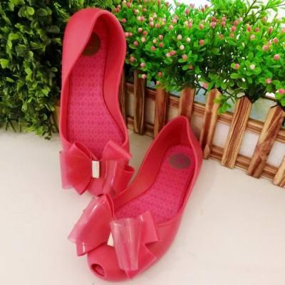 梅雨天 整天連綿多雨 濕濕的令人更懶洋洋  本來不想步出家門 但想起 Zaxy 這雙新鞋子 霎時間又充滿朝氣 繽紛艷麗的色彩 真的叫人心情愉悅起來  Great to have Zaxy Shoes on rainy day!  #pink #下雨天 #Zaxy #ZaxyGirl #shoes #Fashion #hkblogger #BeautySearch #beautybloger #blogger #blog #lifestyleblogger #trial #beauty #instabeauty #BlogShare #時尚女遊 #Trendsplayground #minacheez #FashionBlog @BeAZaxyGirl #minacheez