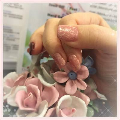 2016229 四年一閏的2月29日 大家都有不同的活動紀念這天 而我就享受了一天闊太的生活 享受了一個 Brunch 然後修甲再做Facial 晚上大伙兒以榴槤餐作結 享受了多出來的悠閒一天  #nail #nailart #Polish #naildesign #hkblogger #BeautySearch #beautybloger #blogger #blog #lifestyleblogger #trial #beauty #閏 #閏年 #229 #2016229