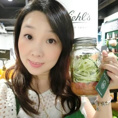 香港人追求健康飲食 而今年係 Kiehl's 165周年 Kiehl's 同樣以健康為題  今日 BeautySearch 就參與了 於銅鑼灣舉辦的 Kiehl's Natural Mix Market DIY 我的生機素食 *.*.*.*.*.*.*.*.*.*.*.*.*.*.*.*.*.*.*.*.*.*.*.*.*.*.*.*.*.*. 由即日起至9月1日 可親臨銅鑼灣Fashion Walk16號鋪 Kiehl's Natural Mix Market登記  詳情可以參考活動連結: http://kiehlsnaturalmix.com/index.php  @kiehlsHK #kiehlsnaturalmix #kiehls165 #hkblogger #BeautySearch #beautybloger #blogger #blog #lifestyleblogger #trial #beauty #event #health #instabeauty #share #workshop